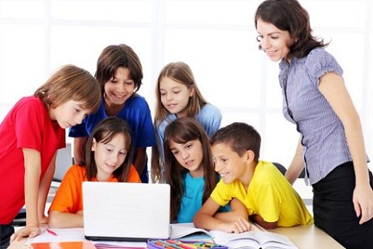 Nuevas vacante de profesor en Madrid. Conoce todas las oportunidades de empleo en colegios. Envía tu curriculum a los colegios con CVExpres.