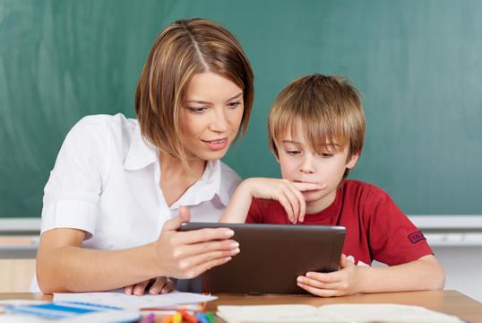 Enviar el curriculum a los colegios privados y concertados de Granada, vacantes centros concertados Granada, empleo colegios concertados Granada