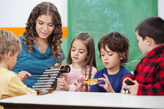 Enviar el curriculum a los colegios privados y concertados de Palencia, vacantes centros concertados Palencia, trabajo en colegios concertados Palencia
