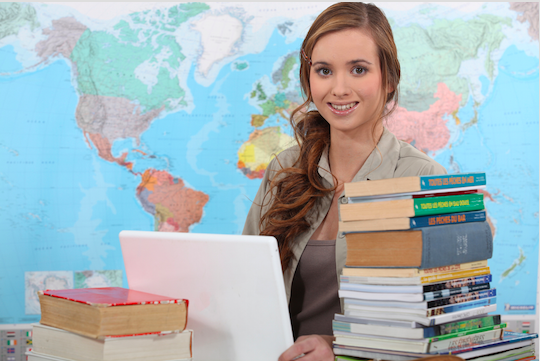 ¿Quieres trabajar como profesor? Descubre cuales son las Condiciones para poder trabajar en colegios privados y concertados. Descubre toda la información.