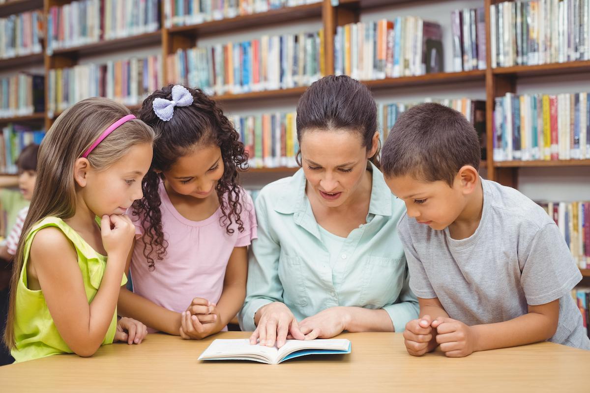 Vacante para profesor de secundaria, trabajo docente para primaria - En CVExpres enviamos tu CV a los colegios ¡Encontrarás empleo muy rápido! ¡Entra!