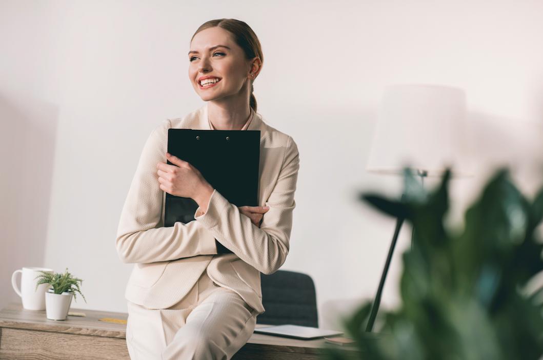 ¿Sabes cuando es mejor enviar tu CV a los colegios? ¿Buscas trabajo de profesor? Hoy te damos toda la información que necesitas - CVExpres