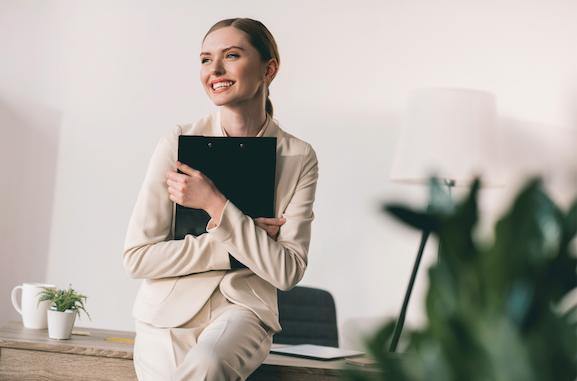 Además de tener una buena experiencia laboral expresada en tu CV, es fundamental que tengas una carta de recomendación de profesor. ¿Sabes cómo pedirla?